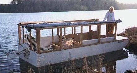 Small Easy Houseboats submited images