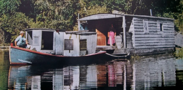 Vintage Houseboat Pictures
