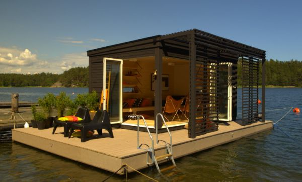 Solar-powered floating prefab room