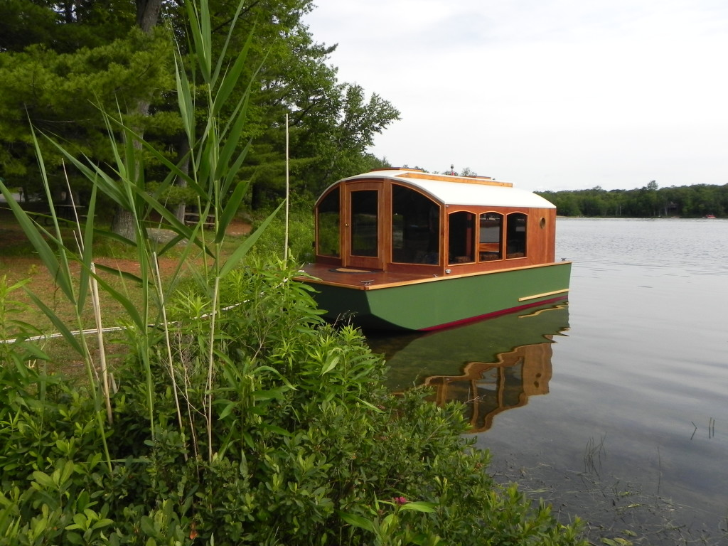 Shantyboat started BUild on top or into the scow