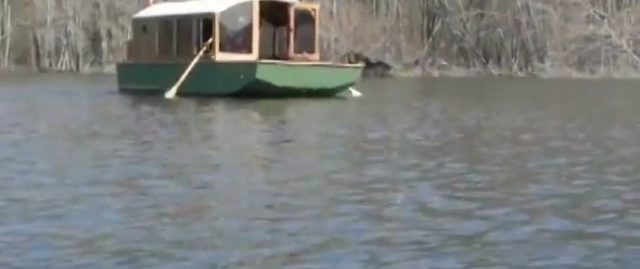 How to row a Houseboat - YouTube.clipular (1)