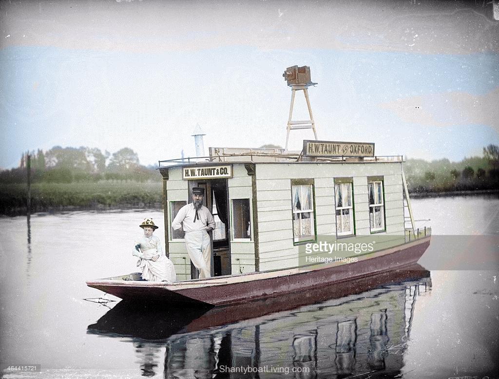 colorized-taunt-boat-1.jpg (1024×778) | Shanty Boats | Pinterest