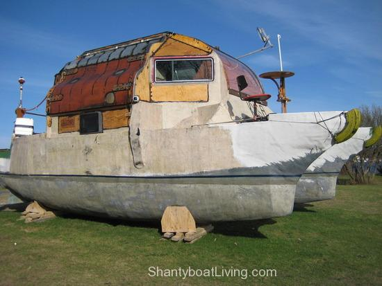 11.1240069020.one-ugly-boat